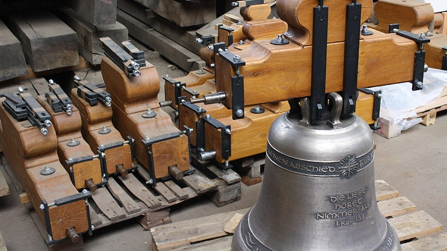 Bronze bell complete with wooden yoke